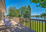 Location vacances Richland - Lake House with Dock and Hot Tub 1mi to Surf n Slide-1