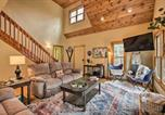 Location vacances Waynesboro - Tranquil Cabin with Deck the Wintergreen Resort-4