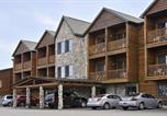 Hôtel Saint-Ignace - Super 8 by Wyndham Bridgeview of Mackinaw City-1