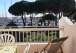 Location vacances  Gard - Appartement Port Camargue, 1 pièce, 4 personnes - Fr-1-414-266-1