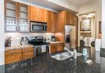 Location vacances Houston - Centrally Located Suite + Pool + Gym-3