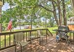 Location vacances Macon - Waterfront Lake Sinclair Home with Boat Dock!-2