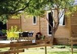 Camping avec Quartiers VIP / Premium Saint-Cyprien - Flower Domaine de la Palme-1