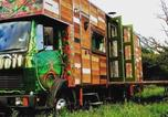 Location vacances Sedlescombe - Unique Rustic Wood Horsebox Home in East Sussex Uk-1