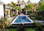 Location vacances Banjar - Cozy nice Family Villa fully furnished with 3 bedrooms and indoor 3 bathrooms.-1