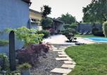 Location vacances Vignonet - Suite avec terrasse ,piscine, jacuzzi et petit déjeuner-4