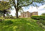Location vacances Wakefield - Emley Chateau Sleeps 17 with Wifi-1