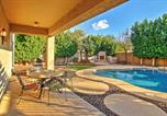 Location vacances Apache Junction - House with Hot Tub and Fire Pit, Superstition Mtn Views-2