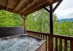 Location vacances Gatlinburg - Triple Mountain View - Three Bedroom Home-2