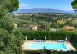 Location vacances Gualdo Cattaneo - Splendid Farmhouse in Gualdo Cattaneo with Jacuzzi-4