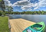 Location vacances Stockbridge - Picturesque Cottage with Sunroom on Ashmere Lake!-3