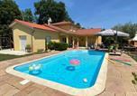 Hôtel Saint-Nizier-d'Azergues - Chambres dans villa avec piscine-1