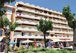 Location vacances Pineda de Mar - Two-Bedroom Apartment in Pineda de Mar-1