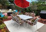 Location vacances Lantana - Big Backyard! Fire Pit Grill! And Free Parking! 4 min to Beach! and 95!-2