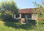Location vacances  Charente - L'Amandier-1