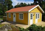 Location vacances Norrköping - Two-Bedroom Holiday home in Vikbolandet-1
