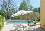 Location vacances  Bouches-du-Rhône - Nice home in Meyreuil w/ Outdoor swimming pool, Outdoor swimming pool and 4 Bedrooms-2