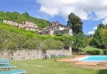 Location vacances  Province d'Arezzo - Apartment in Casavecchia Sleeps 2 includes Swimming pool and Wifi 3-3