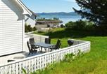 Location vacances Kristiansund - Five-Bedroom Holiday home in Vevang 1-1