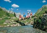 Location vacances Laterns - Holiday home Chalet An Der Piste 3-1