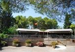 Camping avec Piscine couverte / chauffée Aude - Sites et Paysages La Pinède-1