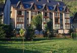 Location vacances Vielha - Aparthotel La Vall Blanca-1