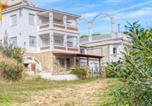 Location vacances  Province de Gérone - Lloret de Mar Villa Sleeps 22 with Pool and Wifi-2