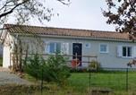 Location vacances Blasimon - House Gite 5 personnes Les Marylis.-1