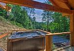 Location vacances Bryson City - Bryson City Studio w/ Hot Tub - Near Nantahala!-3