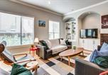 Location vacances Addison - Stylish Three-Story Oak Lawn House-3
