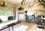 Location vacances  Calvados - Beau studio terrasse vue jardin - à 2 pas de la mer-3